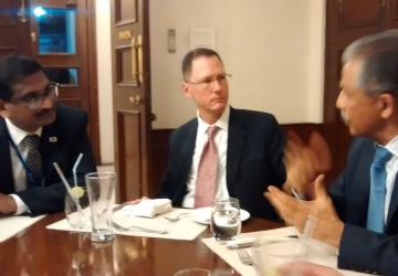 Meeting-with-US-official-s-in-Kolkata-02